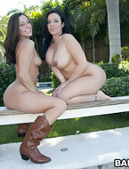 Big ass girls Gracie Glam her friend Emma Heart