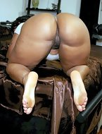 See big bootys, huge asses, round butts. [8 ass pics]