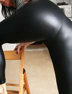 porn pics sexy gals clothed in darksome leggings. Darksome leggings taut juicy culo and legs wrap around those sexy juicy butt gals