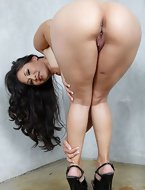 Pics of curvy figured ladies and juicy big asses. Plump butts just as much as you, if not more! [8 ass pics]